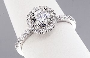 1.07 Carat TW IDEAL CUT Round Brilliant Diamond Engagement Ring